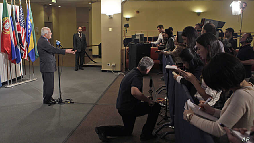 The Palestinian envoy to the U.N. Riyad Mansour speaks to reporters at United Nations headquarters, November 3, 2011.