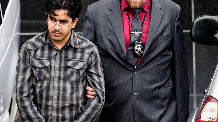 Iraqi Refugee Wanted to Bomb Texas Malls, Federal Agent Says