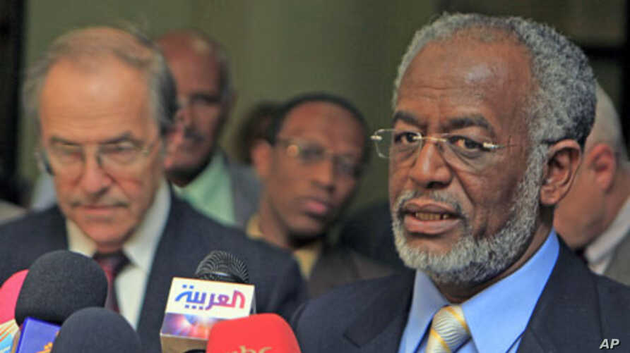Sudan's Foreign Minister Ali Karti (R) speaks during a joint news conference with newly appointed U.S. special envoy for Sudan Princeton Lyman, in Khartoum, April 6, 2011