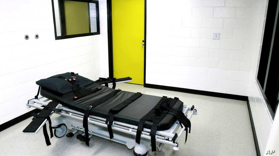"FILE - The ""death chamber"" at the state prison in Jackson, Georgia, is seen in a Oct. 24, 2001, photo. Gregory Paul Lawler, convicted of killing a police officer in 1997, is the seventh person to be put to death in Georgia this year."