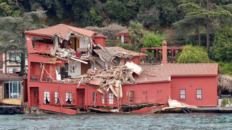 The damaged Hekimbasi Salih Efendi mansion is seen after the Maltese flagged tanker Vitaspirit crashed into it by the Bosporus strait in Istanbul, Turkey, April 7, 2018.