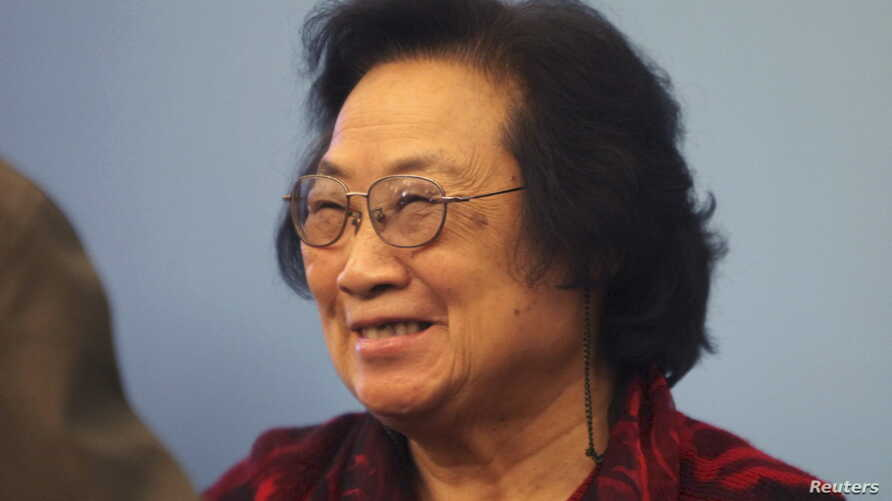 FILE - Pharmacologist Tu Youyou joined William Campbell and Satoshi Omura in winning the 2015 Nobel prize for medicine or physiology for their work against parasitic diseases. Picture taken Nov. 15, 2011.