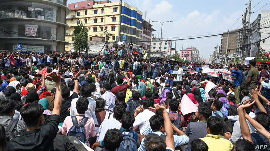 Bangladeshi students block a road during a protest in Dhaka on March 20, 2019, following the death of a student in a road accident on March 19.