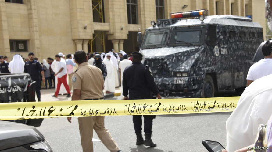 Police cordon off the Imam Sadiq Mosque after a bomb explosion following Friday prayers, in the Al Sawaber area of Kuwait City June 26, 2015.