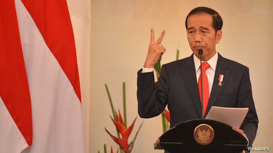 Indonesian President Joko Widodo delivers a speech at Foreign Ministry office in Jakarta, Indonesia, Feb. 12, 2018.