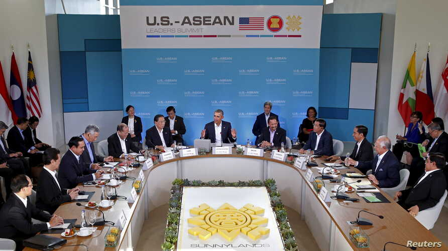 U.S. President Barack Obama makes opening remarks at the 10-nation Association of Southeast Asian Nations (ASEAN) summit at Sunnylands in Rancho Mirage, California, Feb. 15, 2016.