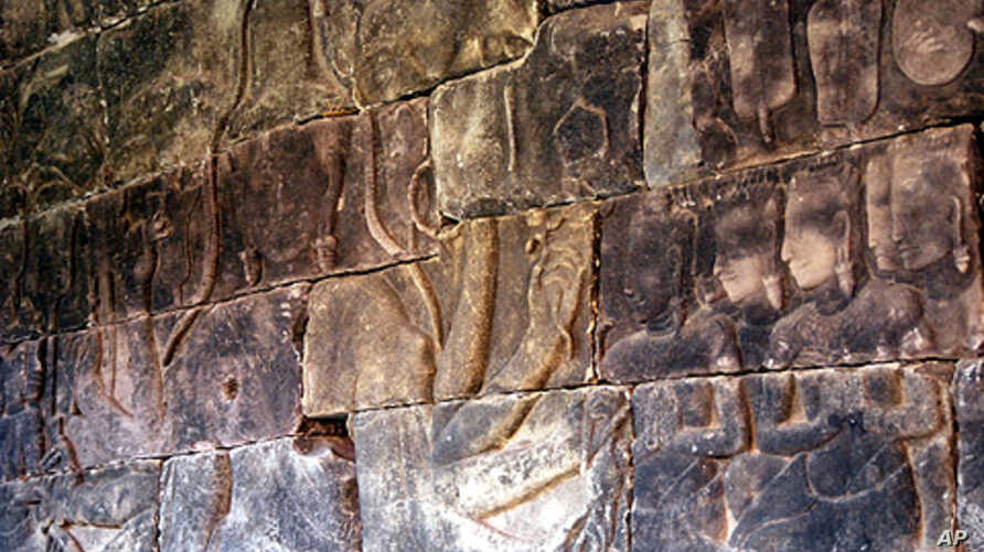 A wall relief stolen in 1998 from Banteay Chhmar temple in north-western Cambodia, and later returned from Thailand. It now stands in the National Museum in Phnom Penh.