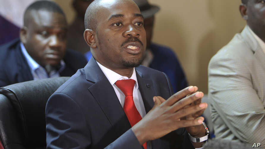 Opposition leader Nelson Chamisa addresses a media conference at party headquarters in Harare, Zimbabwe, Aug, 25, 2018.