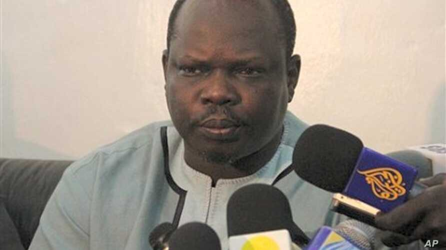 Pagan Amum briefs reporters in the southern Sudanese capital Juba (File Photo)