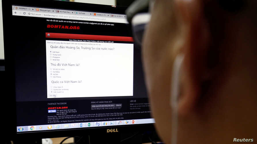 A quiz question about the South China Sea is seen on a Vietnamese website in Hanoi, Vietnam, Aug. 24, 2018.