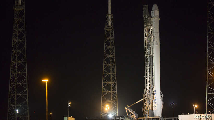 The Falcon 9 rocket to be launched by SpaceX on a cargo re-supply service mission to the International Space Station sits on launch pad 40 at Cape Canaveral Air Force Station in Cape Canaveral, Florida, January 5, 2015.