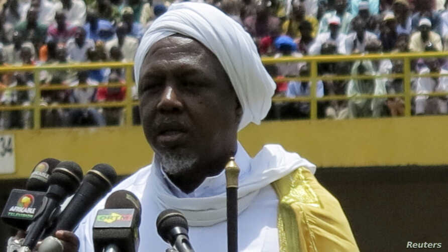 Mahmoud Dicko, the head of Mali's High Islamic Council speaks during a rally at in Bamako, August 12, 2012.