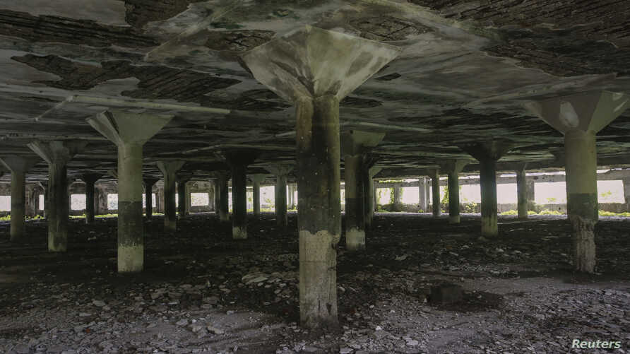 The abandoned textile mill where a photojournalist was raped by five men, in Mumbai August 23, 2013.