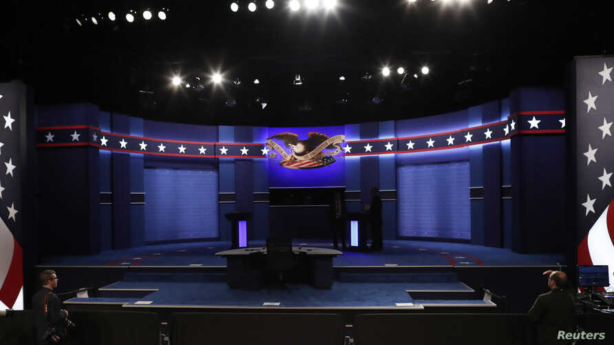 The stage is set prior to the third and final 2016 U.S. presidential campaign debate between Democratic presidential candidate Hillary Clinton and her Republican rival Donald Trump, at UNLV in Las Vegas, Nevada, U.S., Oct. 19, 2016.