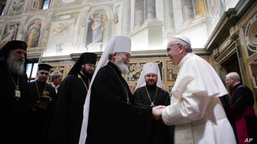 Pope Francis meets with various representatives of other religions, at the Vatican March 20, 2013. (photo L' Osservatore Romano)