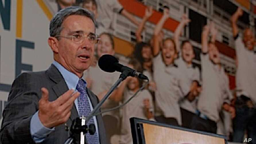 Colombian President Alvaro Uribe - File Photo