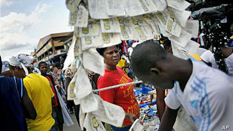 Street markets reopen in Abidjan, Ivory Coast, after results released early saw President Laurent Gbagbo and opposition leader Alassane Ouattara face each other in a run-off election for president, 4 Nov 2010