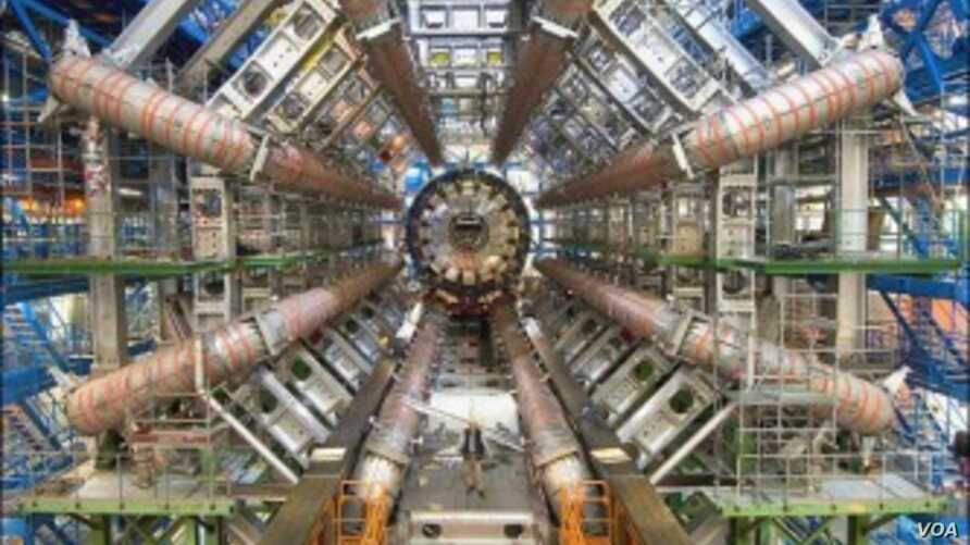 The Large Hadron Collider at CERN (CERN)