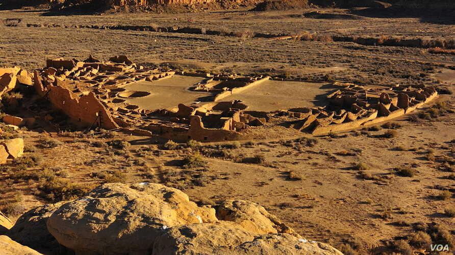 Sites like Pueblo Bonito in northern New Mexico reached their maximum size in the early 1100s A.D. (Nate Crabtree Photograpy)