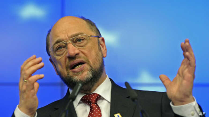 European Parliament President Martin Schulz holds a news conference during a European Union summit in Brussels, January 30, 2012.