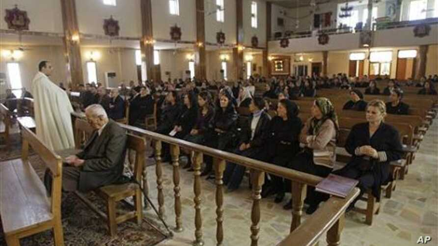 Iraqi Christians attend a mass at St. Joseph's Chaldean Church an Eastern Rite church affiliated with the Roman Catholic Church, in Baghdad, Iraq (File Photo)