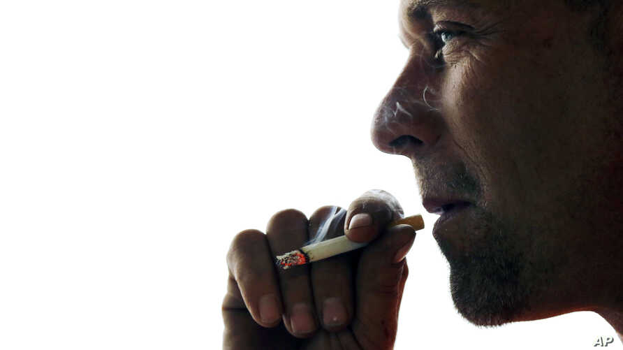 A Swedish study has found that Y chromosomes, which are important for sex determination and sperm production, more often disappear from blood cells of smokers than those of men who have never smoked or have quit.
