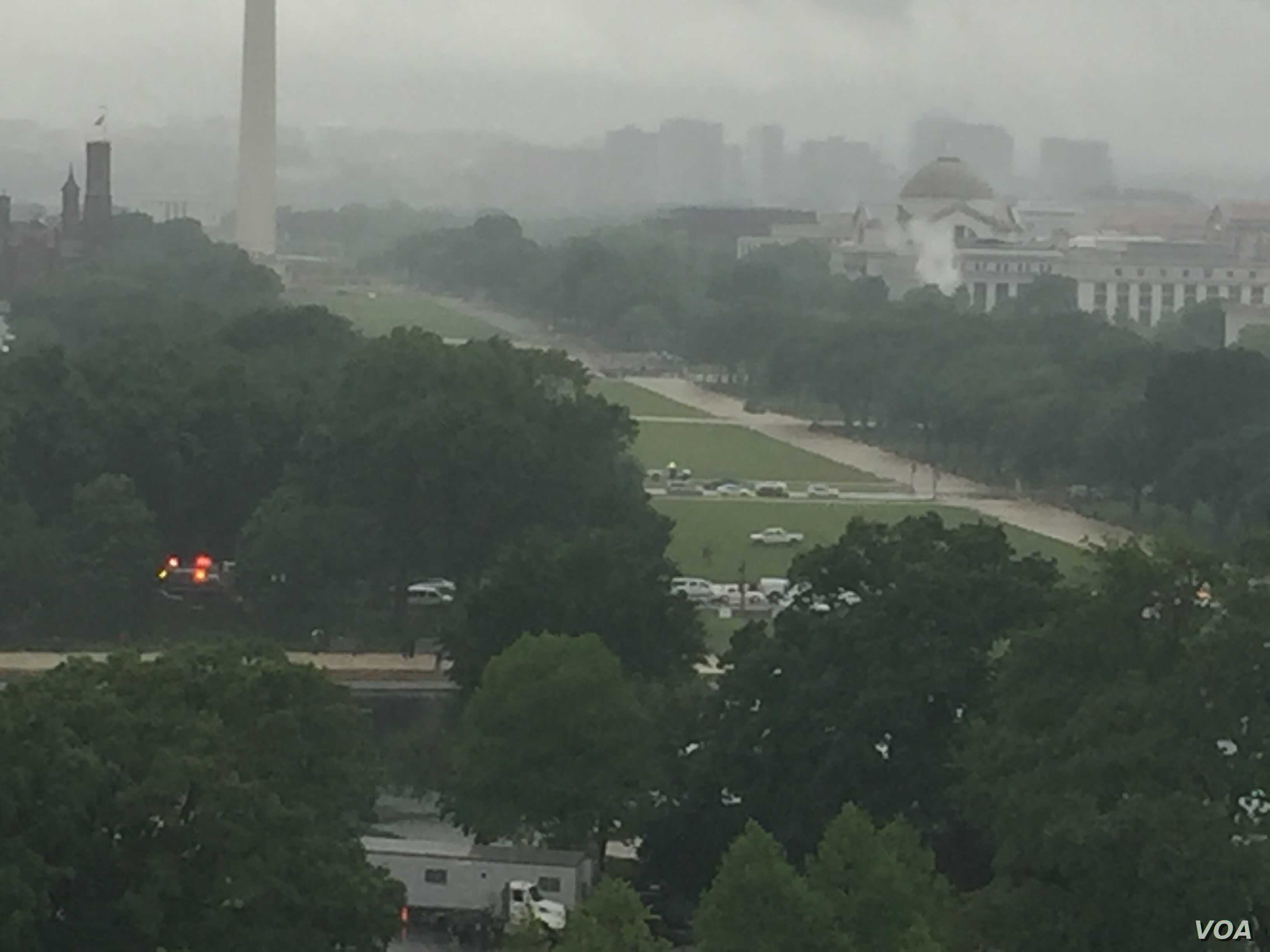 A man drove his truck onto the National Mall on Tuesday afternoon. (K. Gypson/VOA)