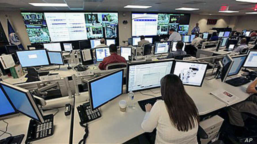 The National Cybersecurity & Communications Integration Center (NCCIC) prepares for the Cyber Storm III exercise at its operations center in Arlington, Va., Sept 2010 (File Photo)