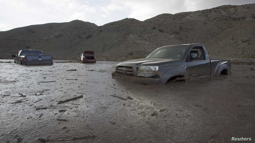 A mudslide Thursday left nearly 200 vehicles, including 75 semitrailer trucks, stuck in up to five feet of mud and debris on State Route 58 near Tehachapi, California, local police said, Oct. 17, 2015.