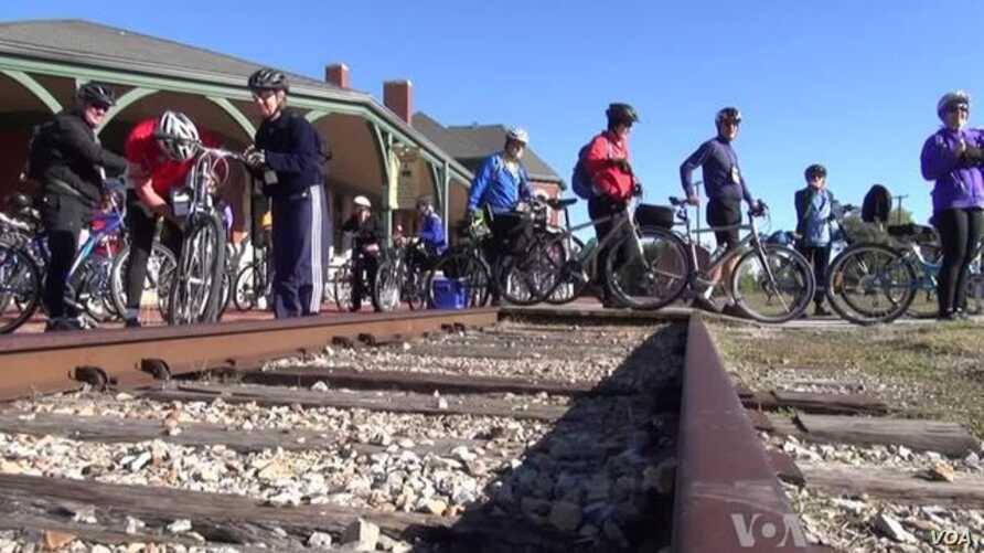 Old Tracks Find New Propose as Cyclists Ride Rails