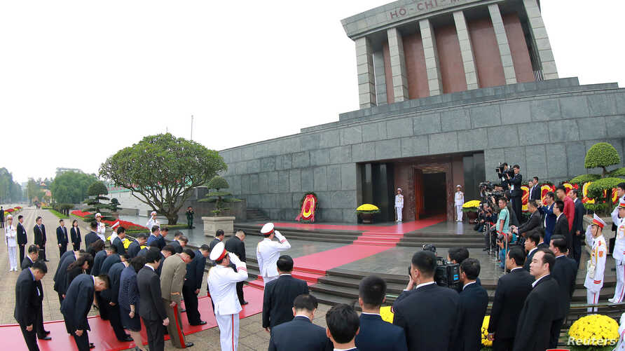 North Korean leader Kim Jong Un lays wreaths at Ho Chi Minh Mausoleum in Hanoi, Vietnam March 2, 2019 in this photo released by North Korea's Korean Central News Agency (KCNA) on March 2, 2019.