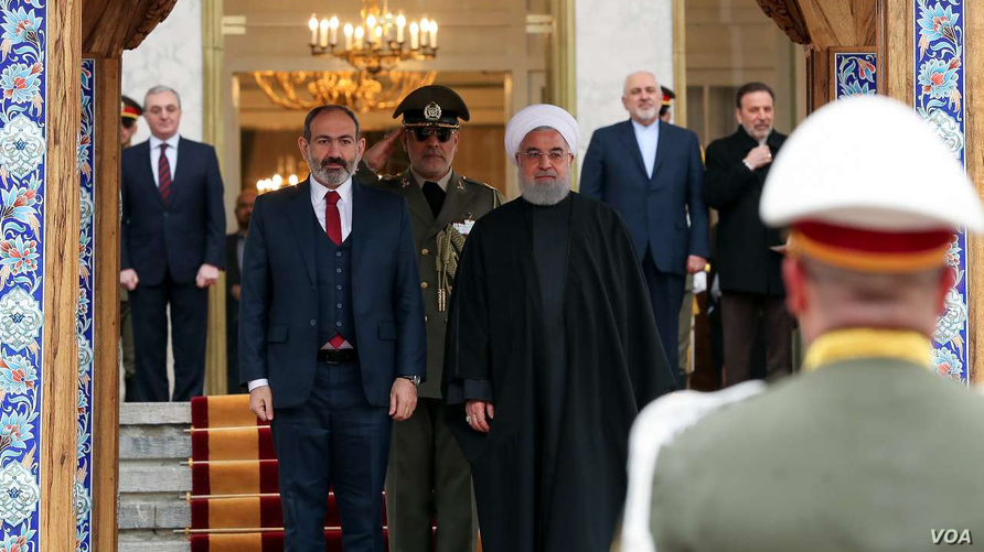 Iranian Foreign Minister Mohammad Javad Zarif, 2nd from right, at a welcoming ceremony for Armenian Prime Minister Nikol Pashinyan in Tehran, Feb. 27, 2019. (Courtesy IRNA)
