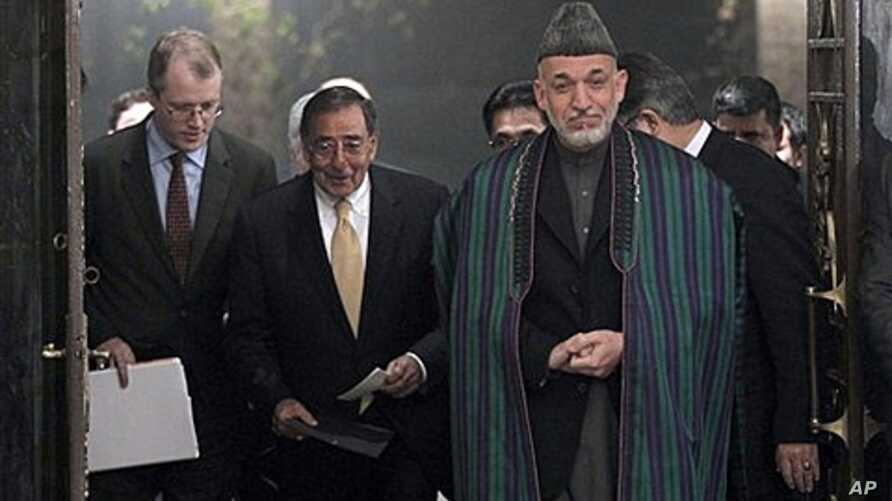U.S. Defense Secretary Leon Panetta and Afghanistan President Hamid Karzai, Kabul, Dec. 14, 2011.