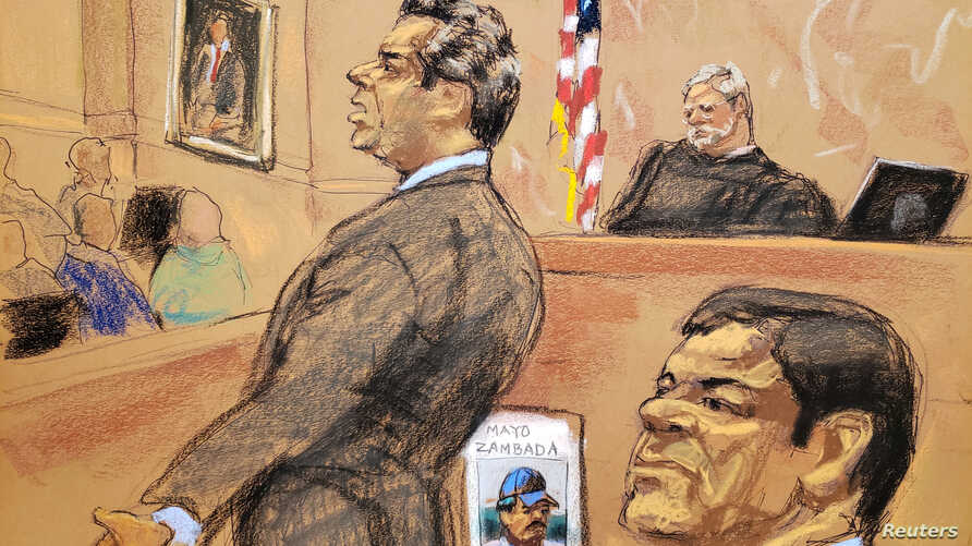 "Defense attorney Jeffrey Lichtman, left, gives closing arguments during the trial of accused Mexican drug lord Joaquin ""El Chapo"" Guzman in this courtroom sketch in Brooklyn federal court in New York City,  Jan. 31, 2019."