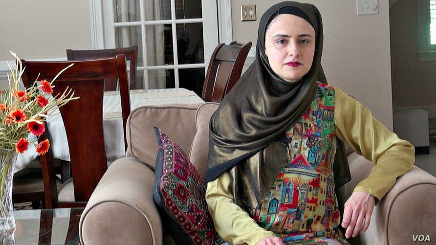 Kulsoom Abdullah persuaded USA Weightlifting, and later the International Weightlifting Federation, to modify their dress codes, allowing Muslim women to compete while wearing a headscarf.