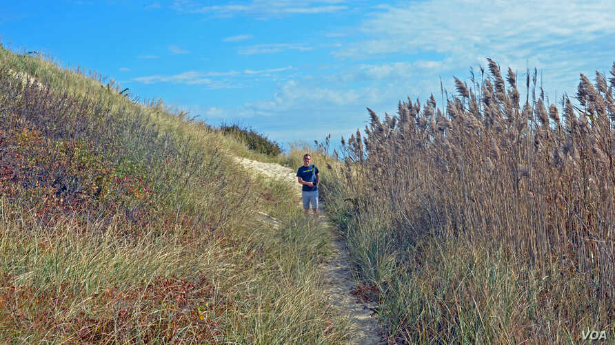 Mikah Meyer enjoyed hiking along a trail in Cape Cod, Massachusetts. The young traveler was surprised at just how much vegetation grows out of the sandy ground.