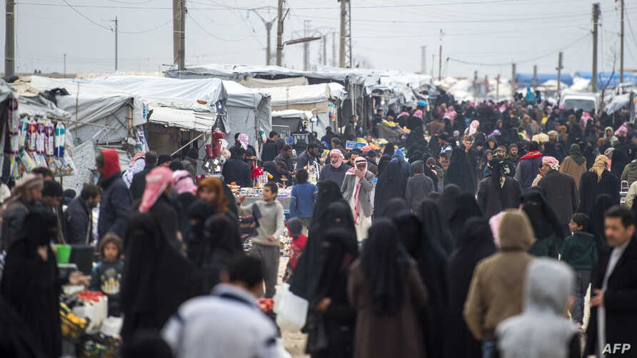 Displaced Syrians at the internally displaced persons camp of al-Hol in al-Hasakah governorate in northeastern Syria, Feb. 6, 2019.