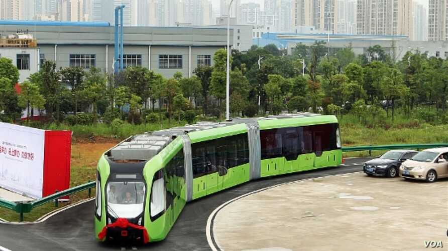 A Chinese company has unveiled a Autonomous Rail Rapid Transit smart bus that doesn't need a driver or tracks. (CRRC)