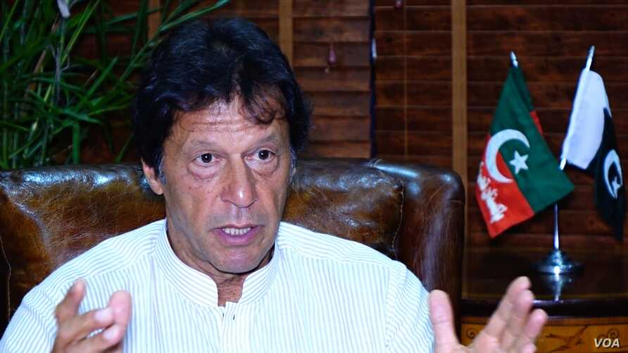 Imran Khan speaking to Voice of America at his Bani Gala party office, Islamabad, Pakistan, Aug. 10, 2017.