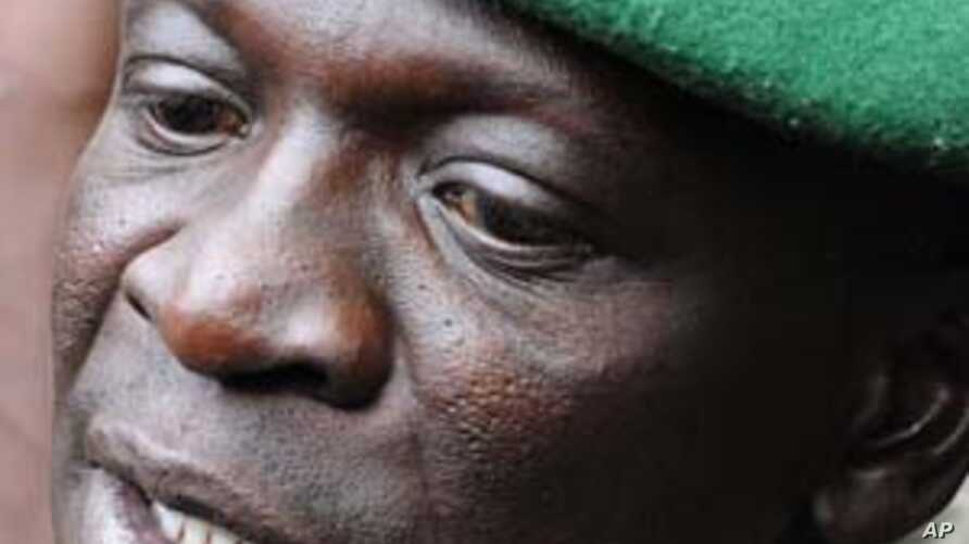 Mali coup leader Captain Amadou Sanogo speaks at the Kati