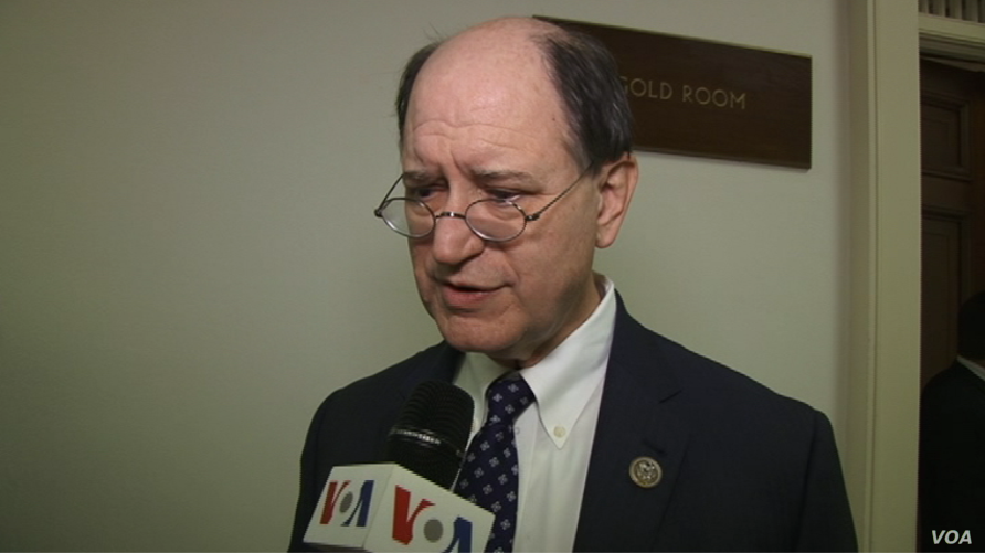 Democratic Congressman Brad Sherman speaks to VOA's Persian Service on the sidelines of a briefing to members of the Organization of Iranian-American Communities (OIAC) at the Rayburn House Office Building in Washington, Jan. 24, 2017.