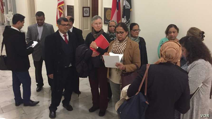 Faith leaders and other advocates gathered on Capitol Hill, Feb. 28, 2018, to urge lawmakers to pass legislation punishing Myanmar's government and demanding better treatment of the country's Muslim minority. (M. Bowman/VOA)