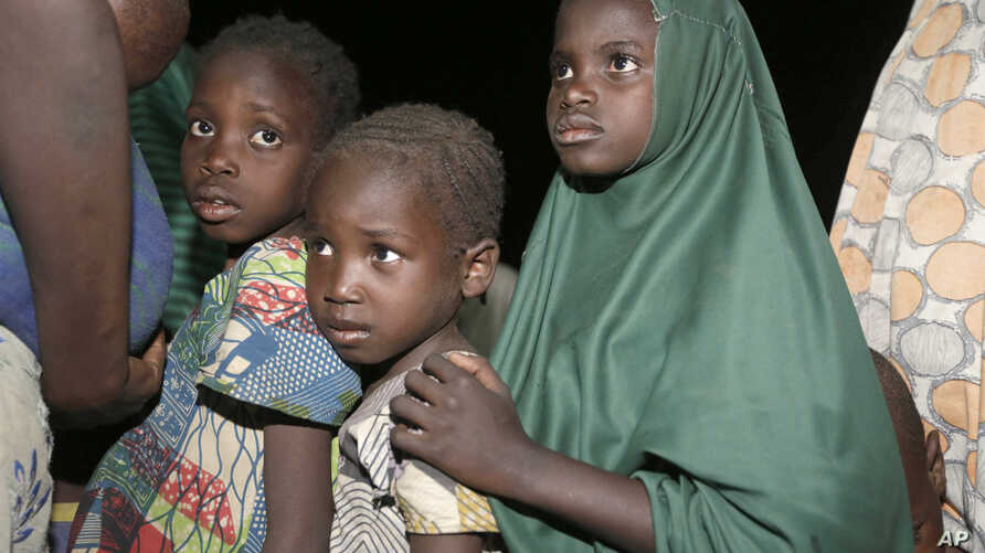 Children rescued by Nigeria soldiers from captivity from Islamist extremists at Sambisa forest arrive at a camp in Yola, Nigeria, May 2, 2015.