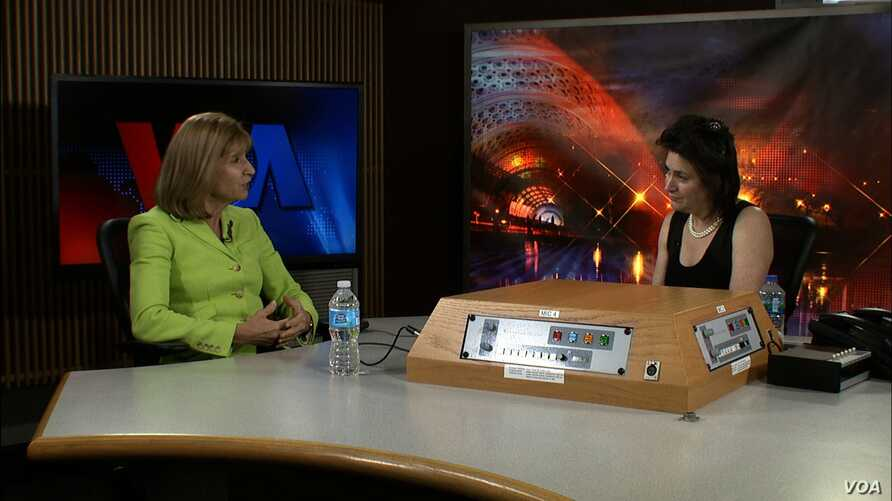 Paula Dobriansky (L) and VOA's Carol Castiel (R) in VOA's Washington headquarters.