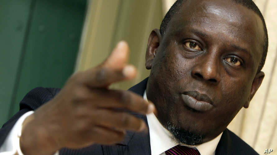 "Cheikh Gadio, minister of foreign affairs of Senegal, talks about ""The Senegalese politics"" at the Swiss Press Club in Geneva, Switzerland, April 28, 2006."