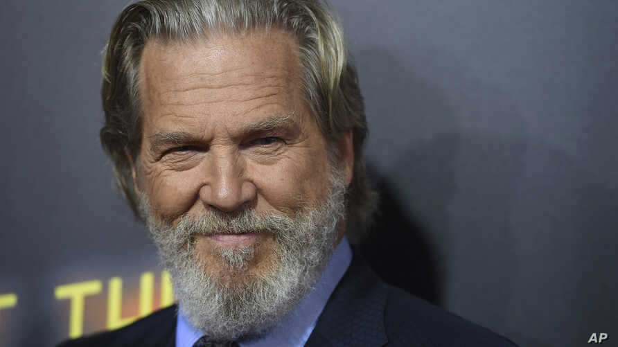 """Cast member Jeff Bridges arrives at the Los Angeles premiere of """"Bad Times at the El Royale"""" at TCL Chinese Theatre, Sept. 22, 2018."""