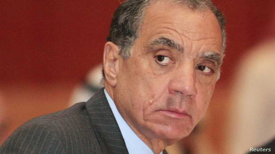 Farouk el-Okdah, governor of Egypt's central bank, attends a meeting of Arab central bank governors in Doha, September 2011 file photo.