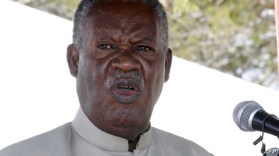 Zambia President Michael Sata delivers a speech on May 17, 2013 during the commissioning of the construction of Palabana University in Chongwe, 60 kms east of Lusaka.