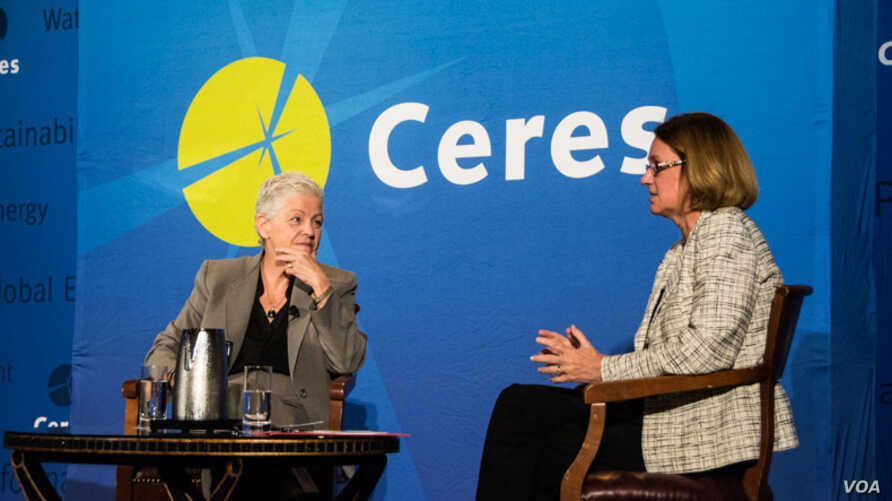 Anne Stausboll (R), chief executive of CalPERS in conversation with Gina McCarthy at Ceres' 12th annual conference in San Francisco. (Photo: Courtesy Rob Scheid)
