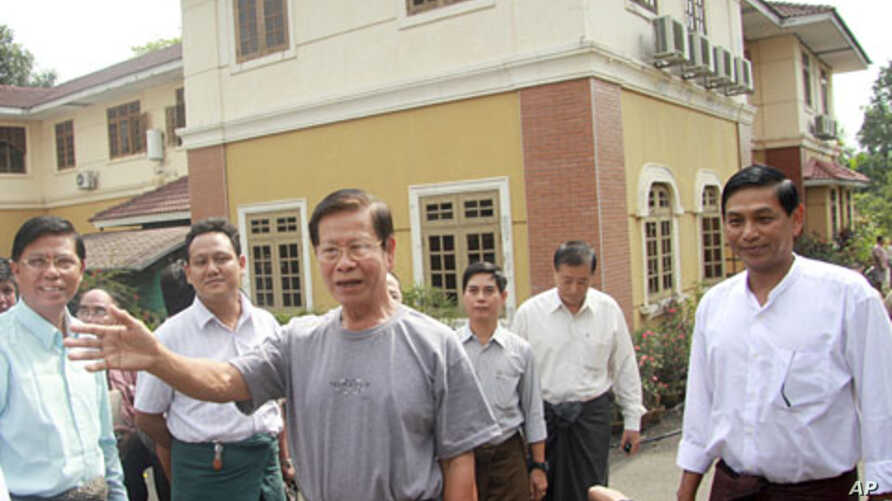 Burma's former Prime Minister Khin Nyunt, who was once the powerful chief of military intelligence (MI), speaks after his release from house arrest in Rangoon January 13, 2012.